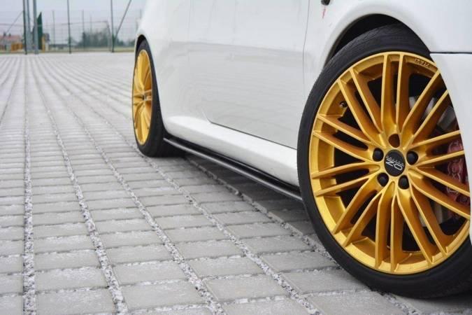 Dokładki progów Maxton Alfa Romeo GT (czarny połysk)